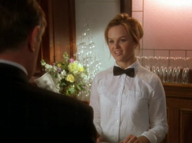- Just a club soda, I'm driving. - It's an open bar, cutie. - Give me a bucket of Scotch.