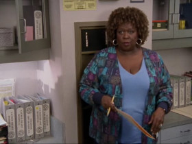 - Laverne, what would you give me if I get this jellybean in your cleavage? - A concussion.